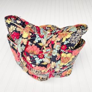Vera Bradley large quilted tote bag w/ top zip